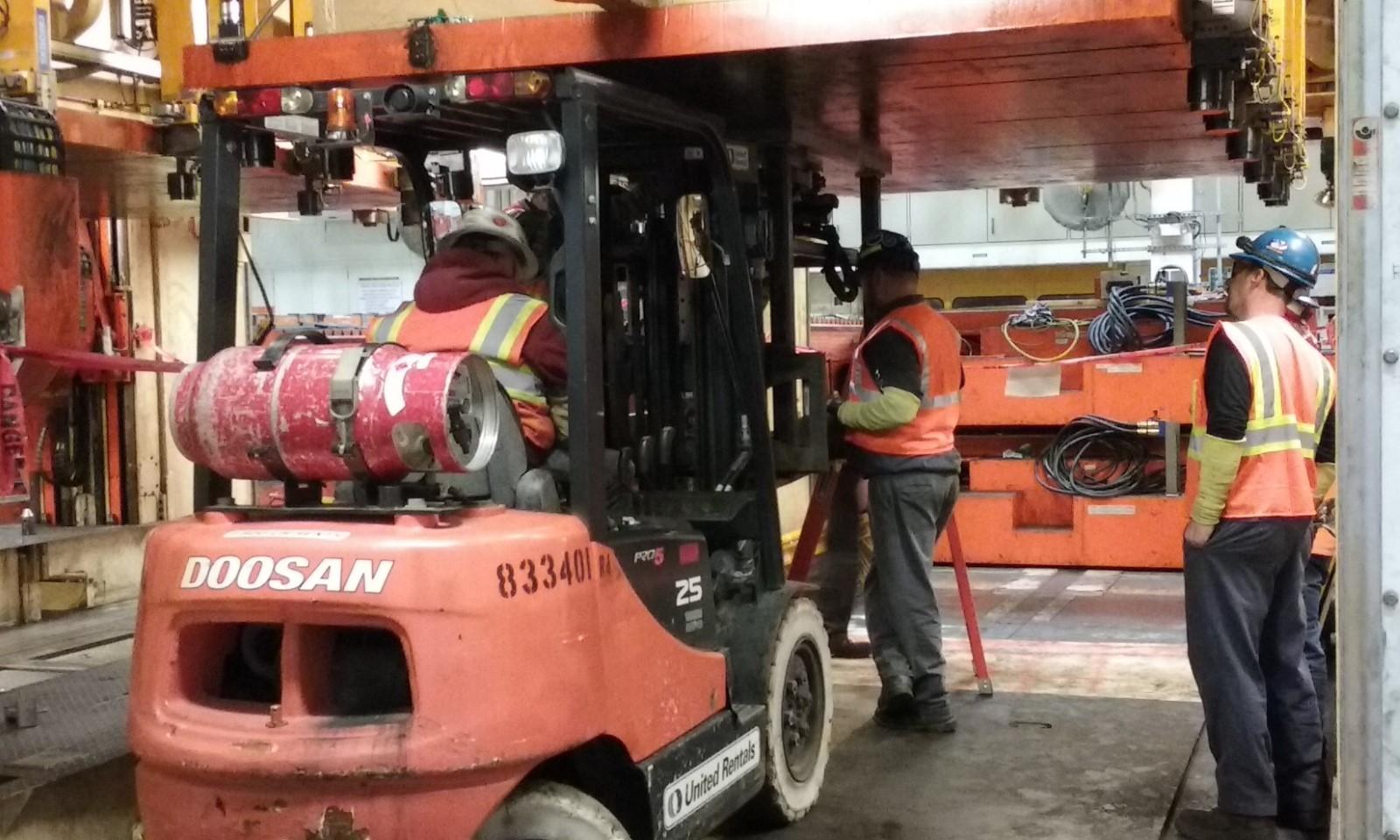 Atlas Machine & Supply Crew Installing a Portable CNC Mill